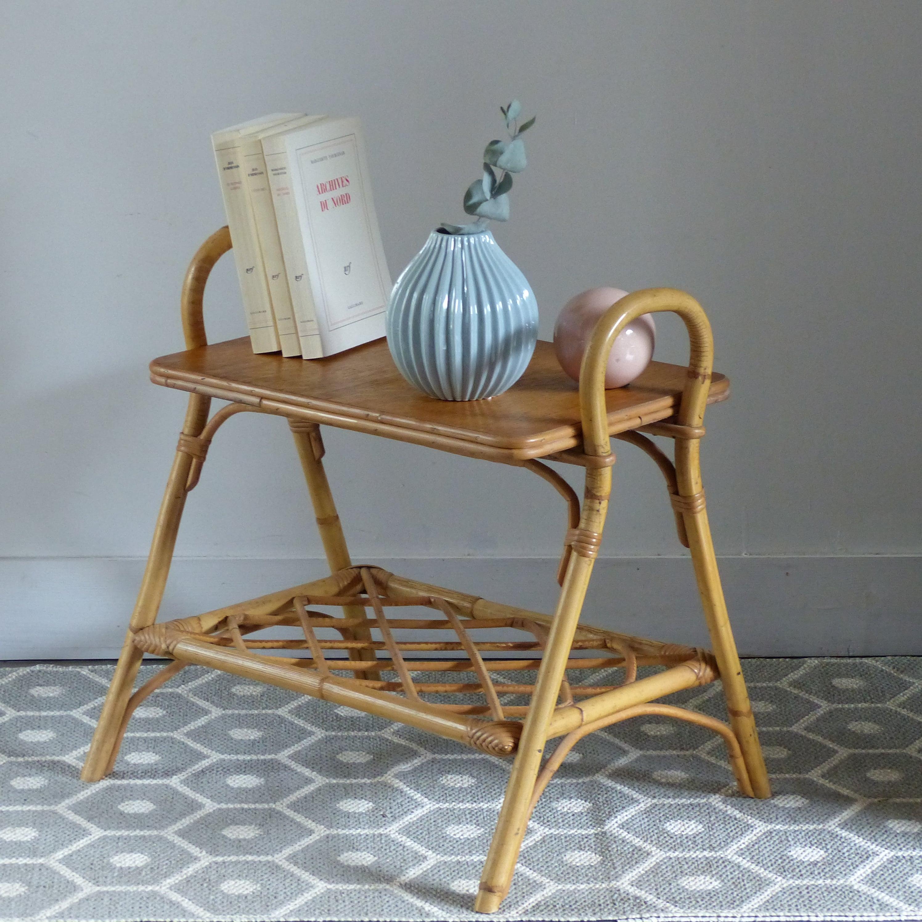 Table de chevet vintage en rotin lignedebrocante brocante en ligne chine pour vous meubles - Table pour brocante ...