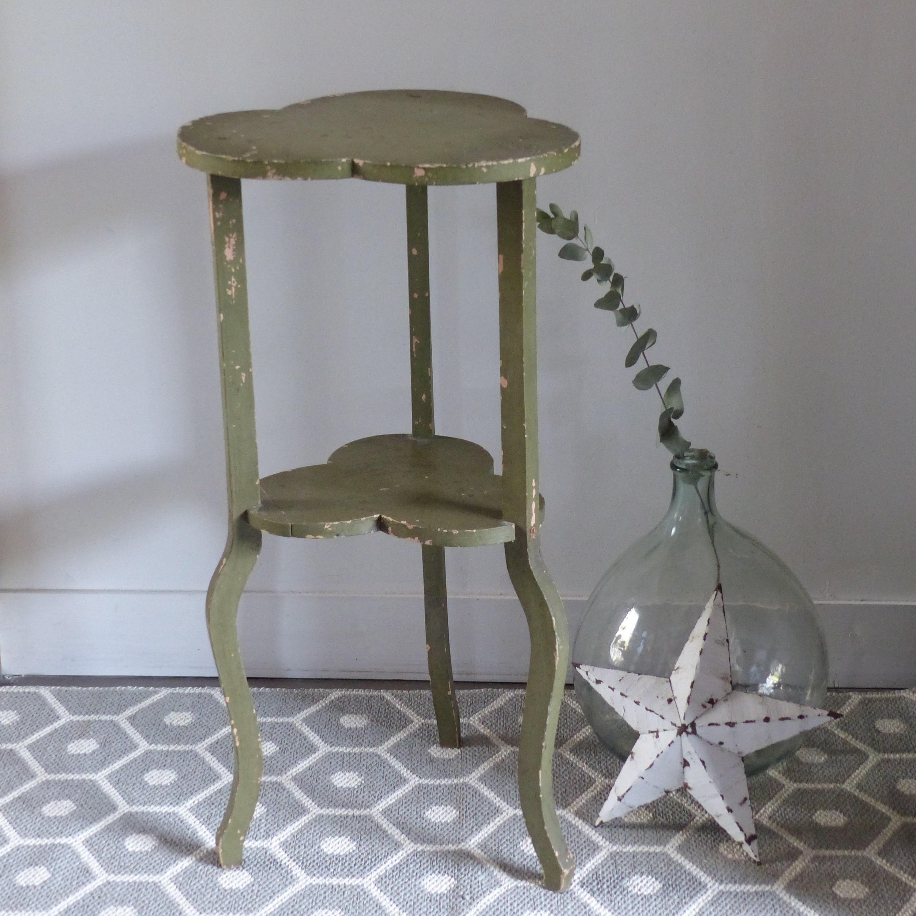 sellette tr fle en bois tripode lignedebrocante brocante en ligne chine pour vous meubles. Black Bedroom Furniture Sets. Home Design Ideas