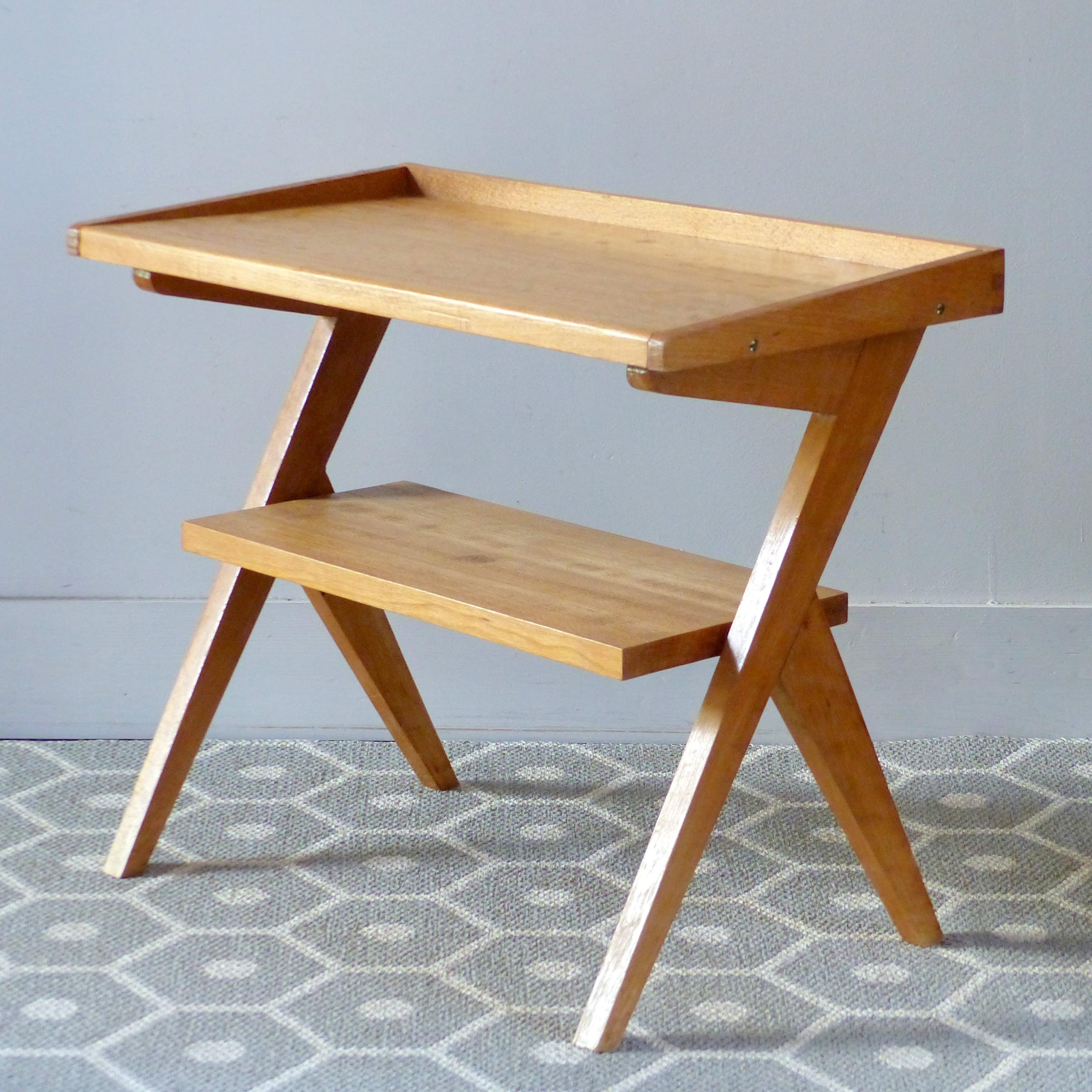 Table d 39 appoint ou chevet ann es 50 lignedebrocante brocante en ligne chine pour vous - Table pour brocante ...