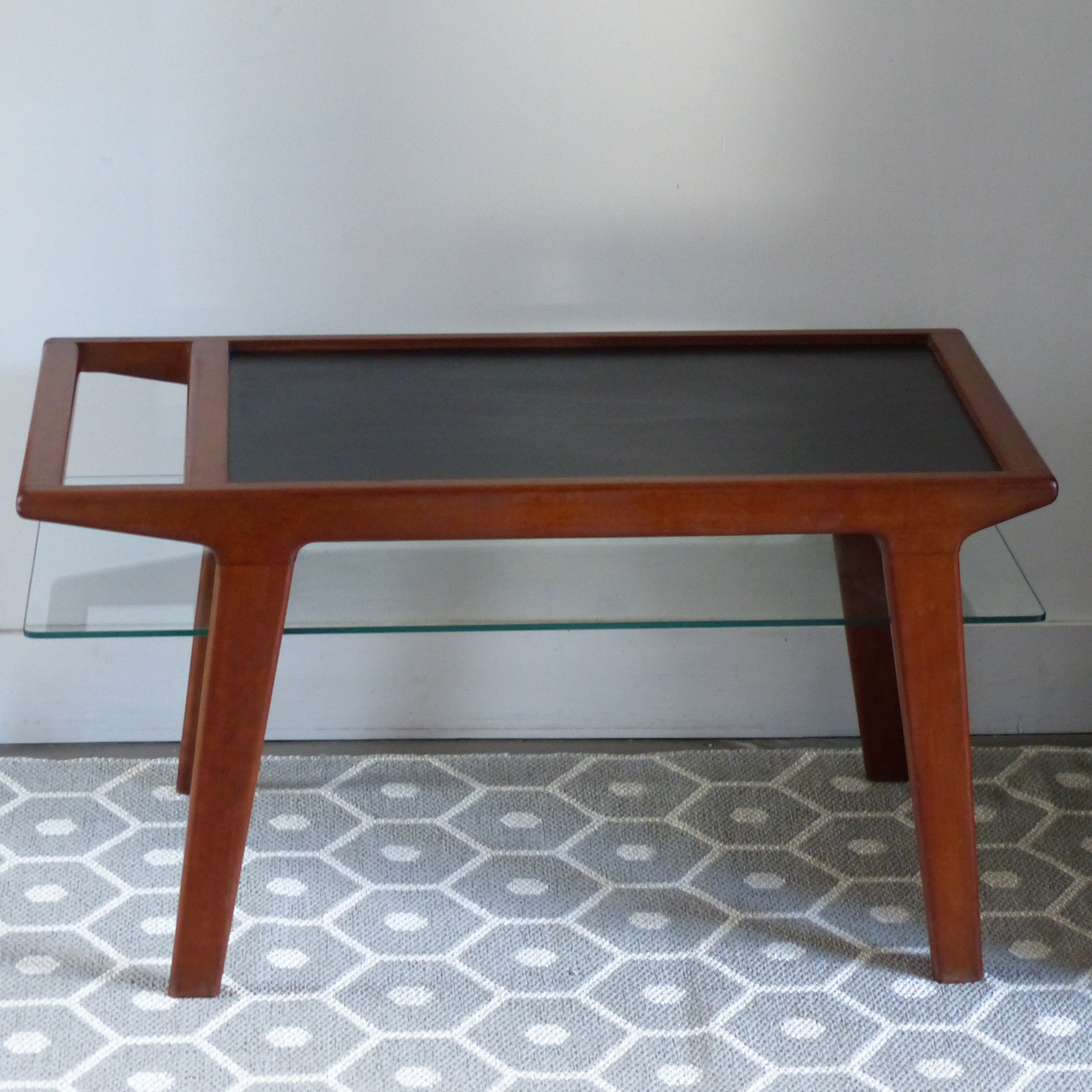 table basse scandinave bicolore lignedebrocante brocante. Black Bedroom Furniture Sets. Home Design Ideas