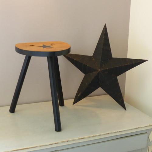 Tabouret tripode en bois #blackstar