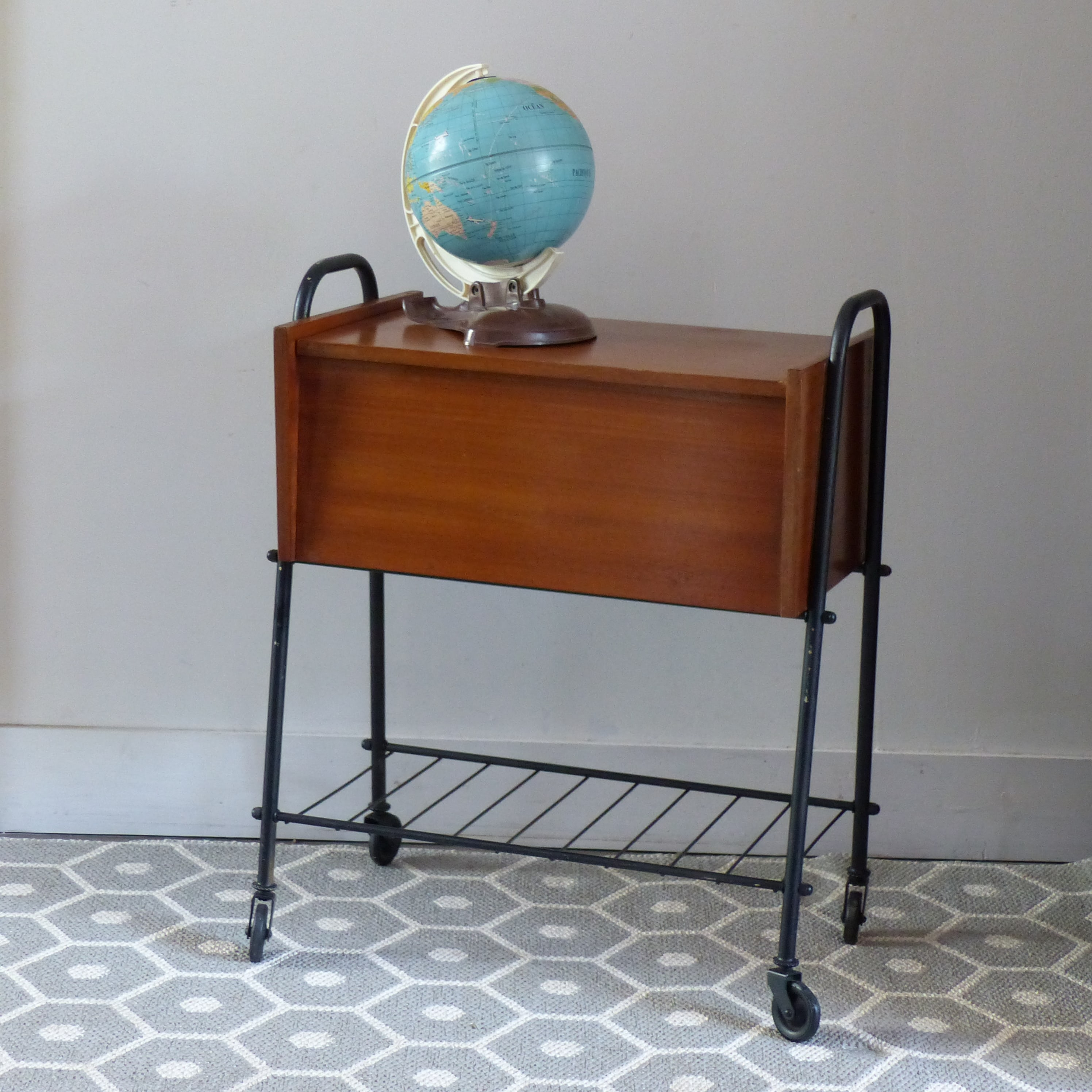meuble vintage great tags brocante en ligne buffet. Black Bedroom Furniture Sets. Home Design Ideas
