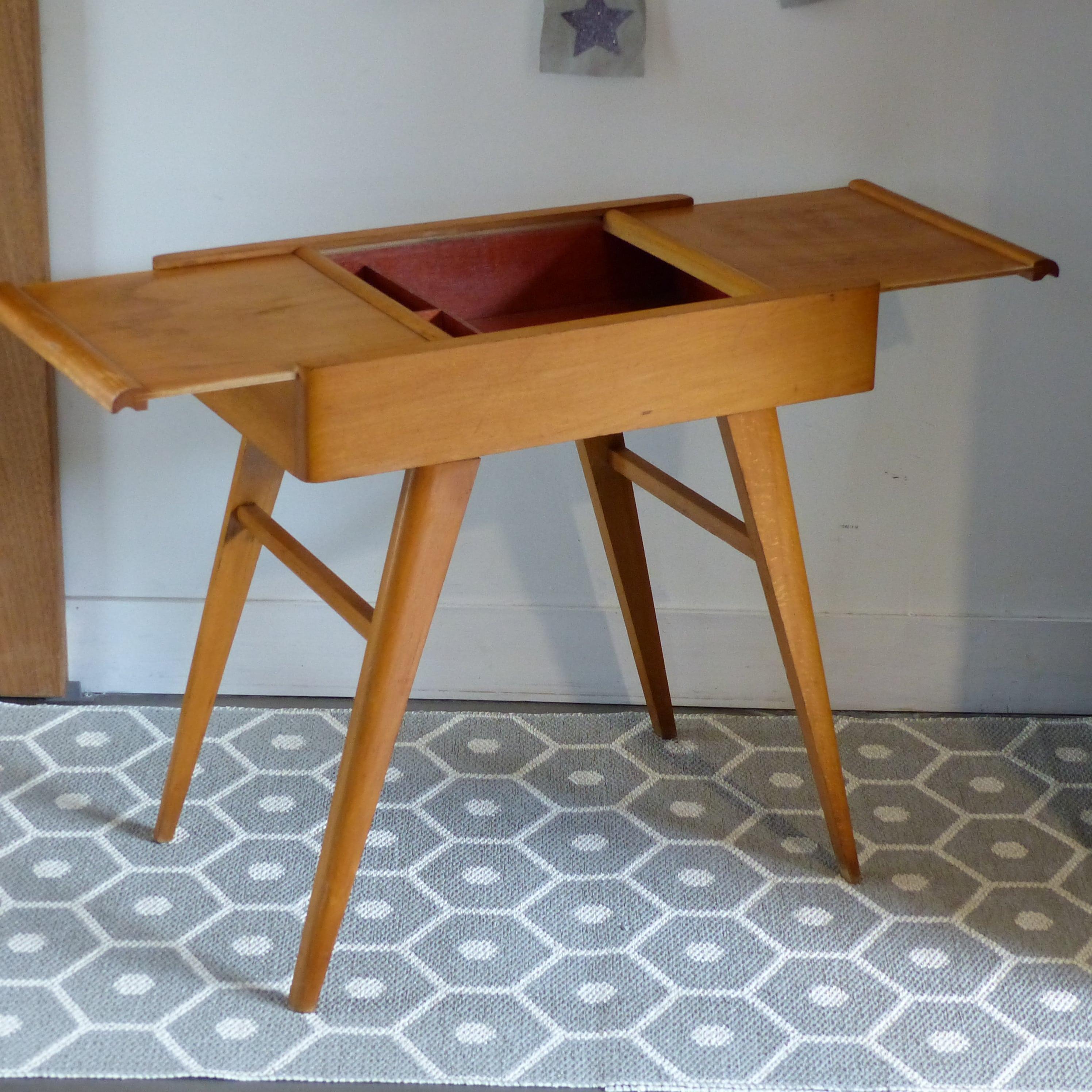 travailleuse vintage pieds compas lignedebrocante brocante en ligne chine pour vous. Black Bedroom Furniture Sets. Home Design Ideas
