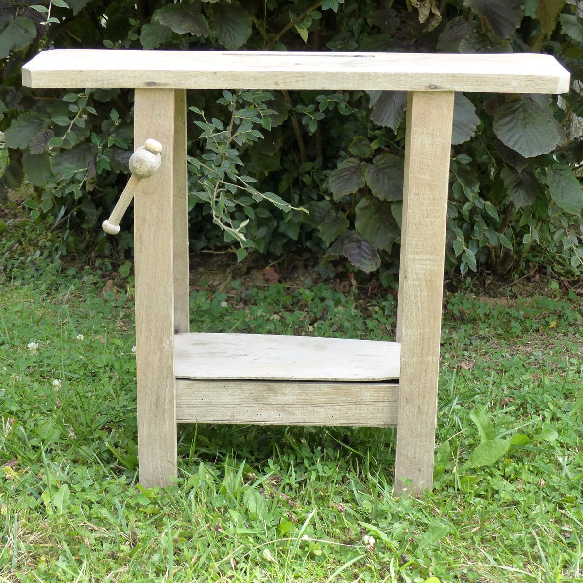 etabli en bois pour enfant lignedebrocante brocante en ligne chine pour vous meubles vintage. Black Bedroom Furniture Sets. Home Design Ideas
